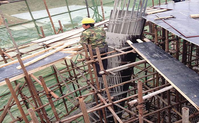 圆柱建筑模板外围加固