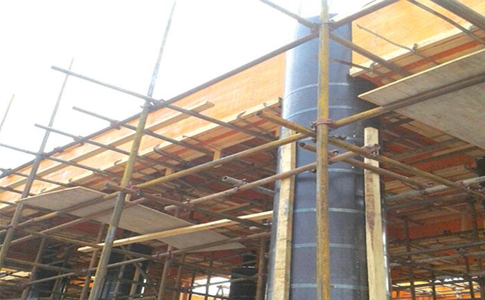 圆柱木模板结合桥梁使用