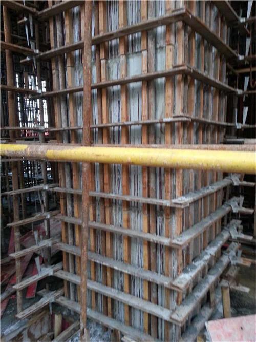 方柱扣支模加固图
