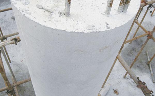木圆模板拆模混凝土成型