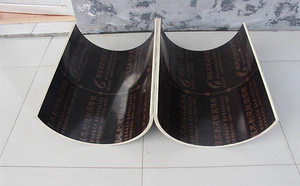 圆形柱模板的内覆面