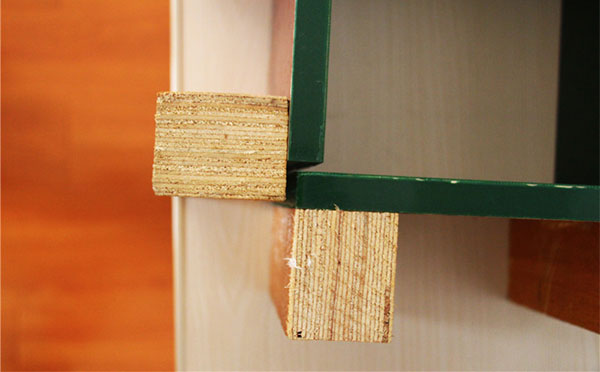 方柱模板折扣卡槽设计
